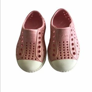 Native Pink Glitter Shoes Size C4